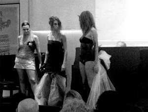 Debutto della fashion Design Elisabetta Gallus e inaugurazione Studio di Fashion Design BeGreMa VesteArte